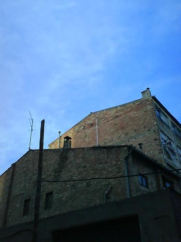 wall, wall, wall, sky (and chimneys :P)
