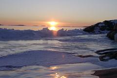 Sveaborg Icy Sunset (Bemep) Tags: sunset sea sun ice water finland rocks gulf tamron touchdown sveaborg 28200 bemep