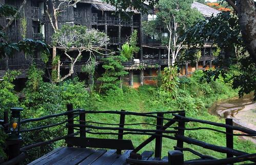 Shimba Hills Lodge walkway
