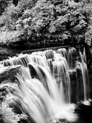 Waterfall@PingShi, Taipei (hk_traveller) Tags: trip travel vacation bw white black canon ir photo waterfall bravo asia flickr taiwan explore turbo infrared g1 taipei     canong1 pingshi  naturesfinest top500 abigfave isawyoufirst