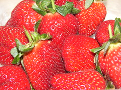Strawberry (Meℓℓie*) Tags: fruit strawberries