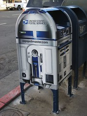 what can't R2 do? (V La) Tags: mailbox march r2d2 2007 shattuck