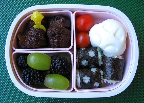 Speedy meatball lunch for toddler