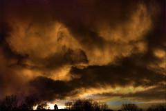 Storm Clouds at Sunset (Thad Roan - Bridgepix) Tags: sunset cloud storm weather clouds colorado denver thunderstorm storms littleton severe thunderstorms severeweather cumulonimbus 200704 anawesomeshot coloradothunderstorm coloradothunderstorms