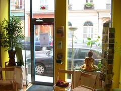 L'acceuil au Centre Bouddhiste de l'Ile de France, à Paris.