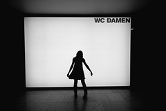 wc damen (stoffen) Tags: ladies girl backlight frankfurt wc restroom damen mmk schirn kvestn