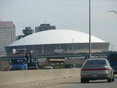 Super Dome (pirelenito) Tags: car highway neworleans superdome