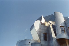 Some kind of law (A-Wix) Tags: film architecture minolta frankgehry weisman universityofminnesota srtsuper msh0407 minoltasrtsuper msh04077