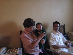 Mago con bebe (ray_iceman) Tags: family reunion tios vazquez