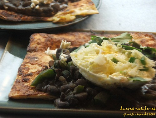 easy recipe huevos motulenos eggs motul style black beans and fried bananas