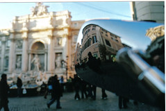 Mirror Monument (bugman7007) Tags: italien italy rome roma reflection fountain mirror italia brunnen bluesky trevi trevifountain rom fontanaditrevi trevibrunnen
