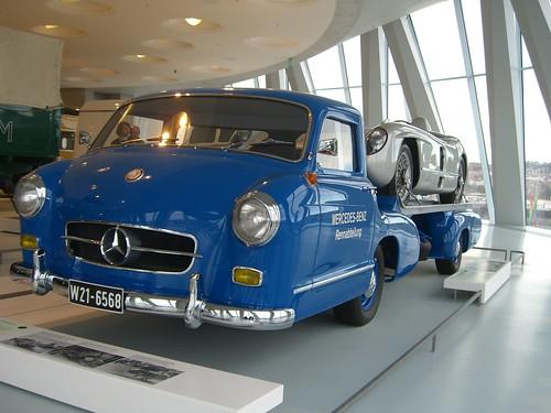 Mercedes-Benz-Museum 10 (by karsten_schmelzle)