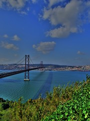 Ponte 25 Abril (Oliveira's Photos) Tags: portugal lisboa abril bridges ponte 25 hdr almada s9600 anawesomeshot