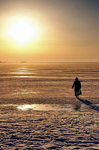 "Oulu: Walking over the frozen Baltic Sea to....? • <a style=""font-size:0.8em;"" href=""http://www.flickr.com/photos/26679841@N00/445250131/"" target=""_blank"">View on Flickr</a>"