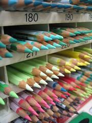 Color pen / Crayon de couleur (lgh75) Tags: color macro pen canon crayon sd550