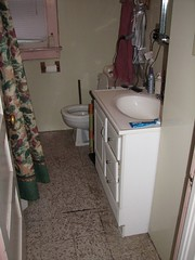 7827 SE Carlton - Bathroom2