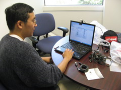 Chris Yeh of ustream sets up the gear for us