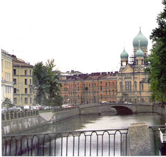 St. Petersburg Canal view     St. Isidore church (sftrajan) Tags: 2002 architecture stpetersburg canal arquitectura october russia architektur saintpetersburg  architettura architectuur rusland arkitektur  nikonem sanpietroburgo architektura russland sanktpetersburg  rosja ryssland  sanpetersburgo petrograd  rusko petrohrad szentptervr griboedovcanal  griboyedovcanal ptszet  stisidorechurch sanktpetrburg
