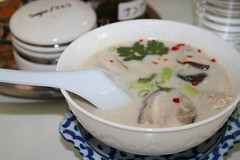tom ka gai soup (Annya E) Tags: food japan soup restaurant  okinawa  thaifood tomkagai tomka somchai thaicuisine