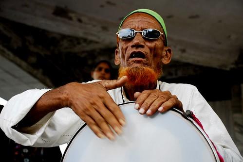 Tambourine Qawwalli, Haji Ali, Mumbai