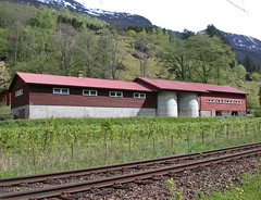 Barn in Flam (colin.fitzgerald) Tags: norway barn valley flam