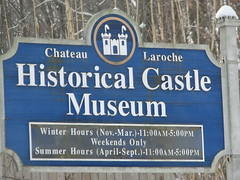 chateau la roche sign