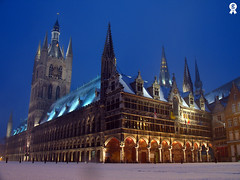 And with the morning comes the snow (Rich007) Tags: morning snow night dark europe belgium wwi medieval ieper getty worldwarone townhall ww1 firstworldwar gettyimages ypres flanders clothhouse holidaysvacanzeurlaub superbmasterpiece theperfectphotographer