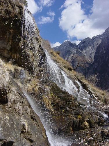 vertiente + montañas