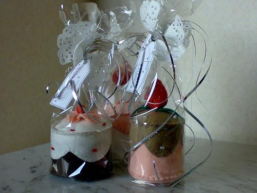 little felt cakes