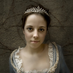The girl from the museum (Robin Tremblay) Tags: portrait people face robin soul globalvillage tremblay globalcity invitedphotosonly gvadminshalloffame itsabeautifulgv ysplix coolestphotographers