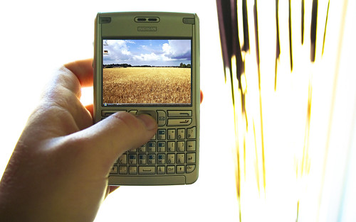 Windows Vista running on my Nokia E61 by Victor Svensson.