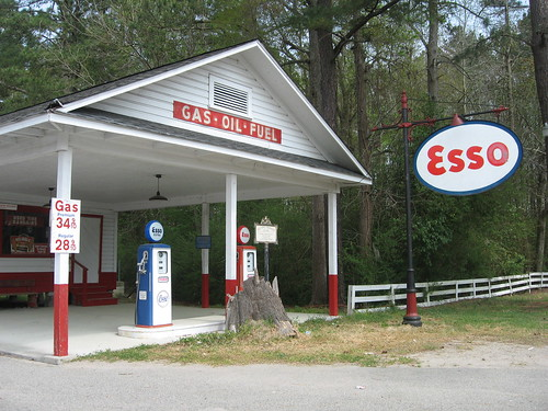 Pee Dee Farms Vintage Esso Service Station, 1912