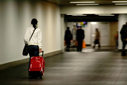 Donna che viaggia da sola