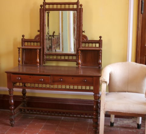 Bangalore Palace Exquisite dressing table...and junk sofa next to it
