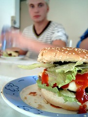 My burger (Henning Horn) Tags: friends food time good christian burgers horn having henning mads fogh henninghorn madlogen stubkjr