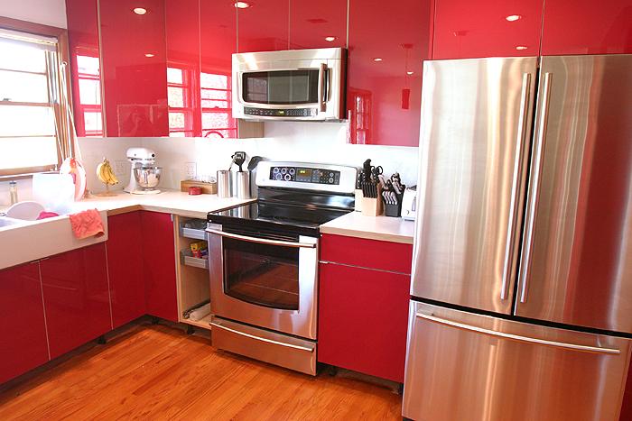 Дерзкий и вызывающий красный цвет на кухне имеет сильное...