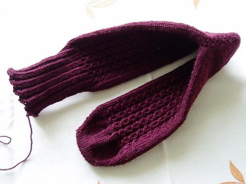 yarn over cable sock alku