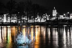 Nightly (--Conrad-N--) Tags: fürstenwalde spree river fluss december splash night nacht reflection city bw a7rm2 water dof drops sony hq 4k