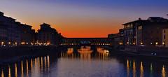 Classici intramontabili al tramonto (All Chefs Are Bastards) Tags: tus tuscany river firenze ponte vecchio pontevecchio sunset florence arno