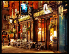 London Pub (Vesuviano - Nicola De Pisapia) Tags: street city uk winter light england urban color london clock beer lamp night wow pub europe chairs salisbury sedie londra notte hdr lampione notturno elevenoclock vesuviano
