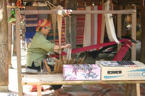 Weaving in Bac Lac village