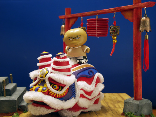 Well, Bao and Spive decided to keep the Chinese Lion and make this diorama