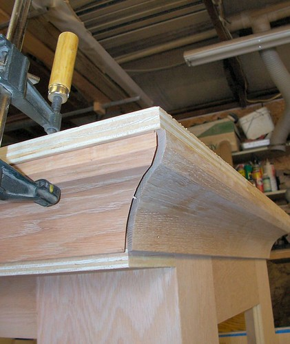 how to cut crown molding outside corners for cabinets