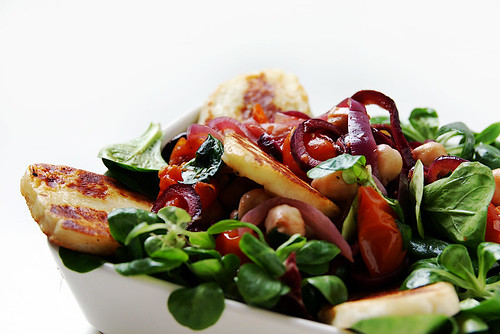 Tomato, Chickpea and Onion Salad
