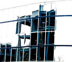 Mirrored Wall (mightyquinninwky) Tags: reflection building geotagged mirror pod mainstreet kentucky award lexingtonky downtownlexington 1on1reflectionsphotooftheday 1on1reflectionsphotoofthedaymar2007 centralkentcky geo:lat=38047086 geo:lon=84497877 jasonpresser 11223344556677