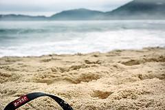 Levi´s @ the beach (.n3to.) Tags: sea mountain praia beach mar sand areia ubatuba sandal montanha danorbit