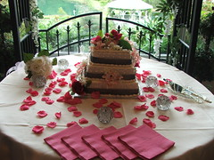 wedding cake. yum-my