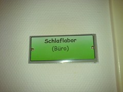 Trschild (adesigna) Tags: bro schlaflabor