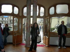 Impractically placed posts (Abby Phoenix) Tags: barcelona mom europe casabatll