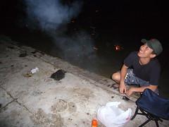 hongyi setting off rockets